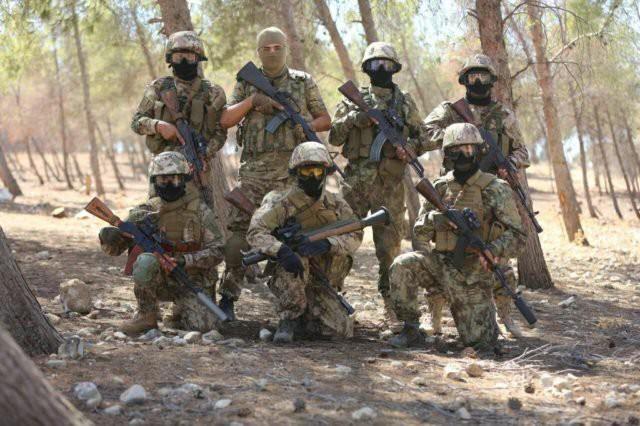 Phiến quân Syria nguy cấp ở Hama: Siêu chiến binh và vũ khí nhiệt áp cũng không cứu nổi - Ảnh 2.