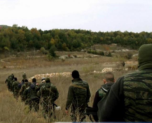 Phiến quân phản kích, hàng đàn xe bom tự sát xông lên - QĐ Syria thua nặng ở Kabani - Ảnh 4.