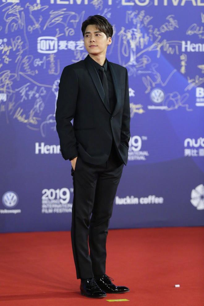 """Vén màn mặt tối đằng sau Cannes danh giá: """"Ngày hội tiền lương"""" của gái mại dâm và cơ hội vàng cho những kẻ vô danh đổi đời - Ảnh 18."""