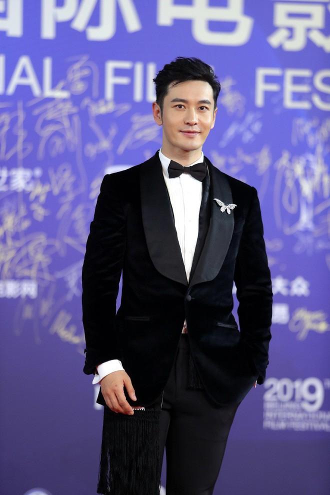 """Vén màn mặt tối đằng sau Cannes danh giá: """"Ngày hội tiền lương"""" của gái mại dâm và cơ hội vàng cho những kẻ vô danh đổi đời - Ảnh 20."""