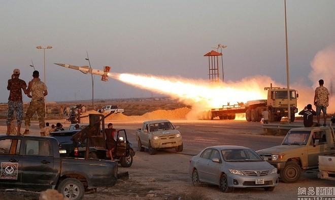 Chỉ có ở chiến trường Lybia: Tên lửa phòng không Pechora được sử dụng để... đánh đất - Ảnh 3.