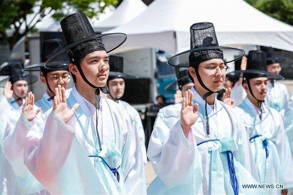 Lễ trưởng thành ở Hàn Quốc: Nghi thức đánh dấu bước ngoặt của thanh niên khi không còn phụ thuộc vào cha mẹ - Ảnh 7.