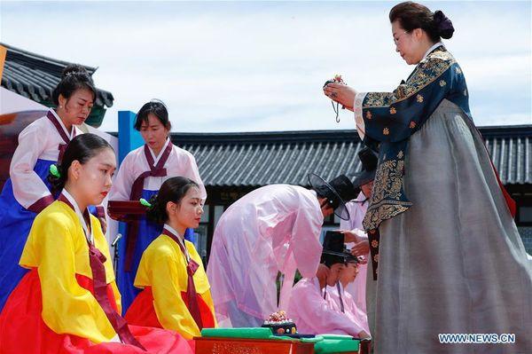 Lễ trưởng thành ở Hàn Quốc: Nghi thức đánh dấu bước ngoặt của thanh niên khi không còn phụ thuộc vào cha mẹ - Ảnh 9.