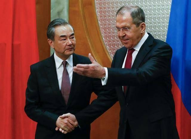 TQ oằn mình dưới đòn thương mại liên hoàn, Nga tức tốc vung 3 tấm khiên yểm hộ Bắc Kinh - Ảnh 3.
