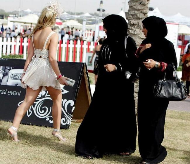 Những sự thật nghiệt ngã ít người biết về Dubai - thành phố dát vàng giàu sang bậc nhất thế giới - Ảnh 10.