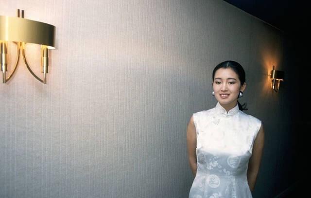 Củng Lợi dạy cách ăn mặc trên thảm đỏ và đẳng cấp thực sự của ngôi sao 18 lần dự LHP Cannes - Ảnh 6.