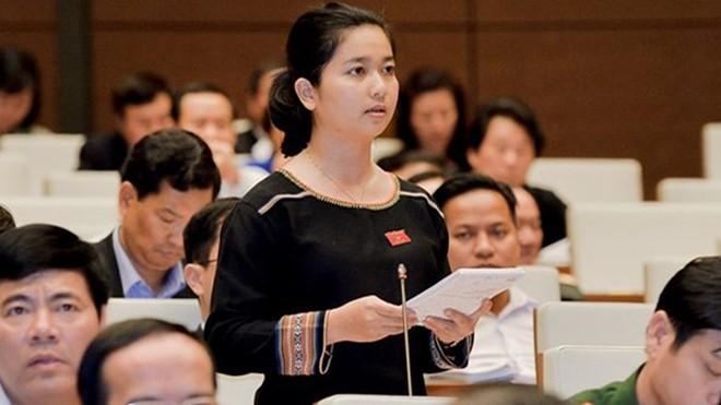 ĐBQH Dương Trung Quốc: Nếu thông qua dự Luật Phòng chống tác hại của rượu, bia thì chúng ta thôi xem bóng đá đi - Ảnh 2.