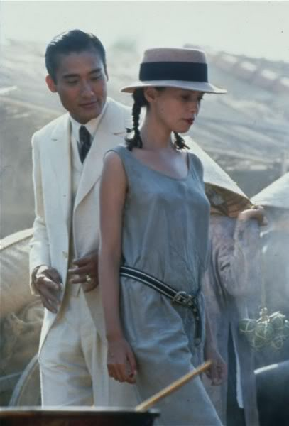 Từ phim 'Vợ ba' nhìn lại phim 18+ kinh điển 'Người tình'  - Ảnh 6.