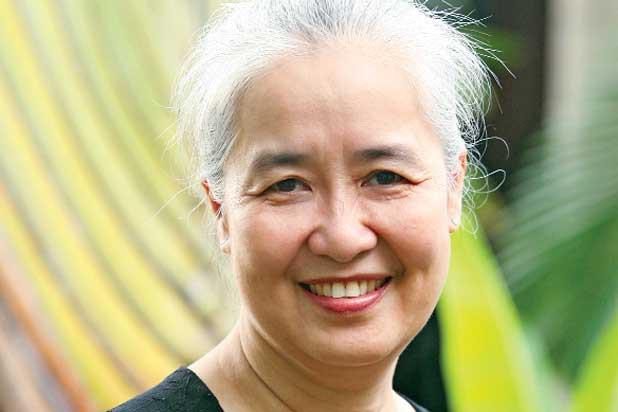 Nguyễn Dzoãn Cẩm Vân - huyền thoại màn ảnh nhỏ giúp thổi lửa bao gian bếp gia đình Việt bất ngờ xuất gia ở tuổi 65 - Ảnh 6.