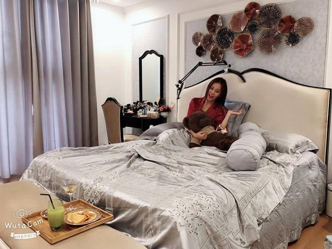 Tuổi 30, Phương Oanh Quỳnh búp bê sở hữu căn hộ cao cấp, xế hộp tiền tỷ  - Ảnh 4.