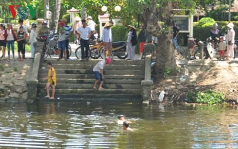 Cảnh báo tình trạng đuối nước ở trẻ em trong mùa hè - Ảnh 2.