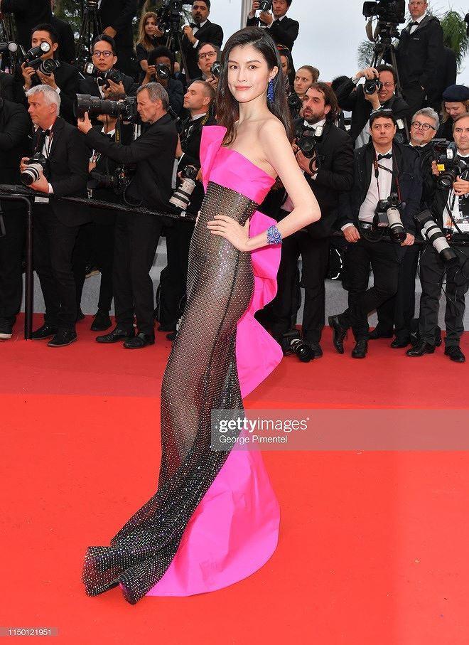 Những bộ cánh mặc như không phản cảm nhất tại Liên hoan phim Cannes lần thứ 72 - Ảnh 4.