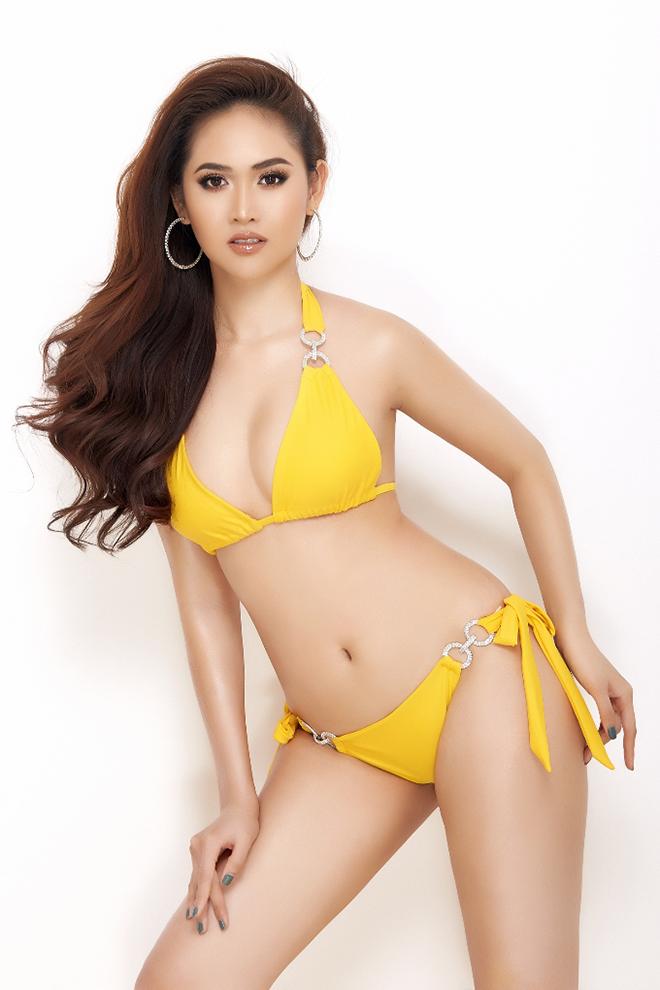 Loạt ảnh nóng bỏng của á hậu sinh năm 1995 - Ảnh 2.