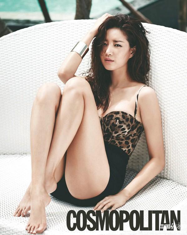 Hoa hậu ngực khủng Kim Sarang: Từ mỹ nhân nổi tiếng với cảnh tắm trần táo bạo tới xì xào bán dâm khiến sự nghiệp lao đao - Ảnh 10.