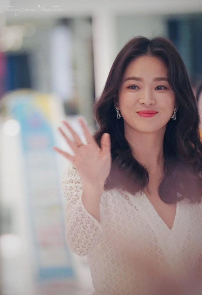Ngỡ ngàng với diện mạo của Song Hye Kyo ở đất Mỹ: Bánh bèo quốc dân đã thoát xác rồi! - Ảnh 5.