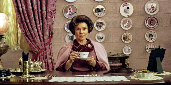 Cận cảnh căn nhà bạc tỷ ngập sắc hồng mà dân mạng đồng loạt bảo dành riêng cho một nhân vật trong Harry Potter - Ảnh 1.