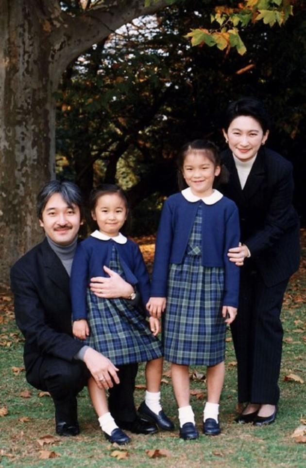 Thân vương Fumihito - vị Tân thái tử chuẩn mực và cuộc hôn nhân gây tranh cãi nhưng rốt cuộc lại hóa giải khủng hoảng người kế vị của Hoàng gia Nhật - Ảnh 17.