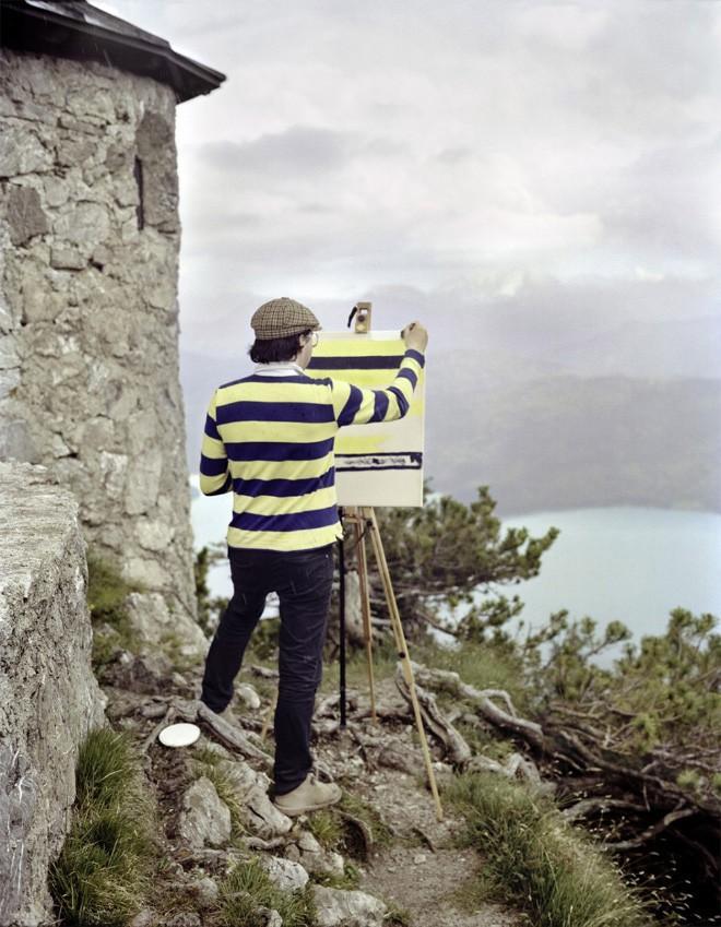 Góc rảnh rỗi: Anh họa sĩ chuyên đến điểm du lịch nổi tiếng chỉ để vẽ lại họa tiết trên áo mình - Ảnh 19.