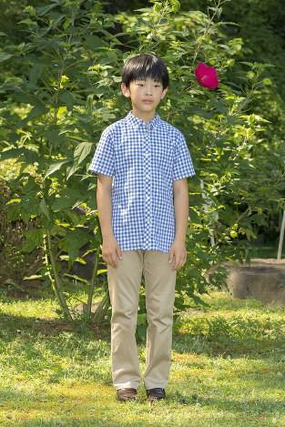 """Hoàng tử bé Hisahito: Người thừa kế cuối cùng của Hoàng gia Nhật, được nuôi dạy một cách """"khác người"""" nhưng dân chúng lại đồng tình ủng hộ - Ảnh 14."""