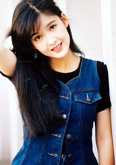 Hong Kong tự hào vì 1 ngọc nữ đẹp xuất sắc từ trẻ tới già: U51 mà trẻ đẹp như xuyên không về hồi 21 tuổi - Ảnh 5.