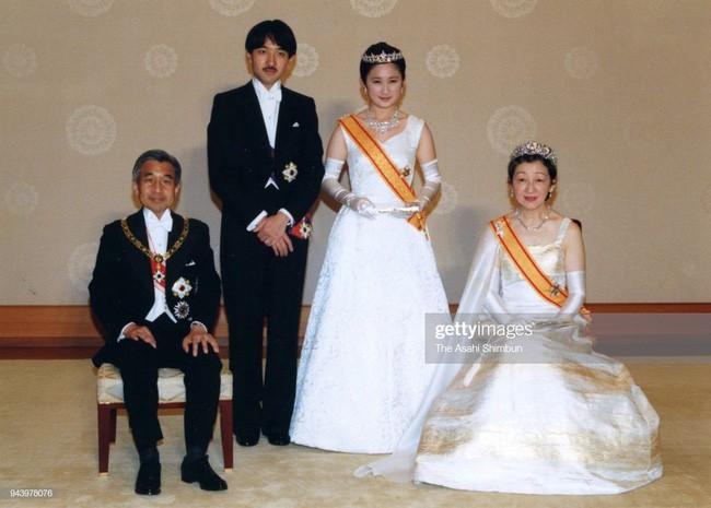 Thân vương Fumihito - vị Tân thái tử chuẩn mực và cuộc hôn nhân gây tranh cãi nhưng rốt cuộc lại hóa giải khủng hoảng người kế vị của Hoàng gia Nhật - Ảnh 5.