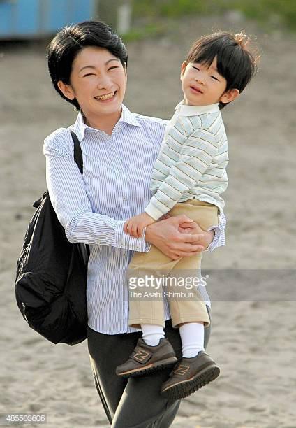 """Hoàng tử bé Hisahito: Người thừa kế cuối cùng của Hoàng gia Nhật, được nuôi dạy một cách """"khác người"""" nhưng dân chúng lại đồng tình ủng hộ - Ảnh 6."""