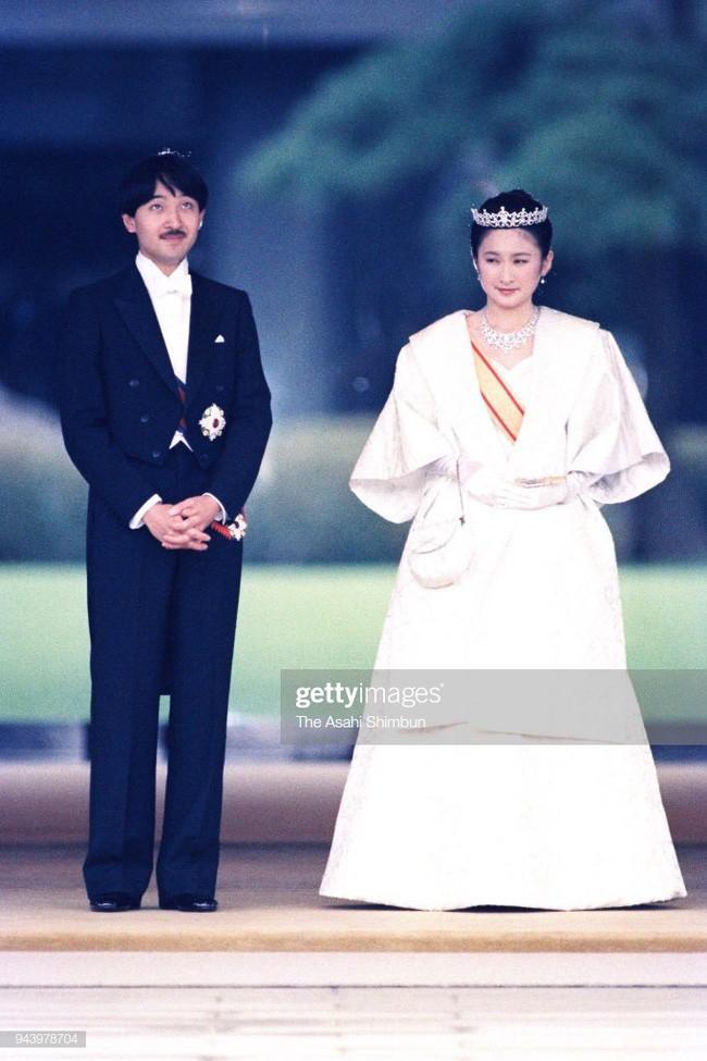 Thân vương Fumihito - vị Tân thái tử chuẩn mực và cuộc hôn nhân gây tranh cãi nhưng rốt cuộc lại hóa giải khủng hoảng người kế vị của Hoàng gia Nhật - Ảnh 6.