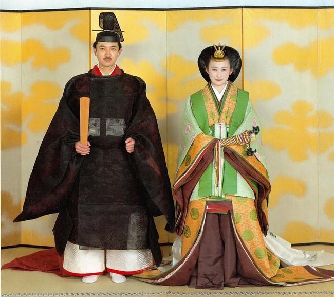 Thân vương Fumihito - vị Tân thái tử chuẩn mực và cuộc hôn nhân gây tranh cãi nhưng rốt cuộc lại hóa giải khủng hoảng người kế vị của Hoàng gia Nhật - Ảnh 7.