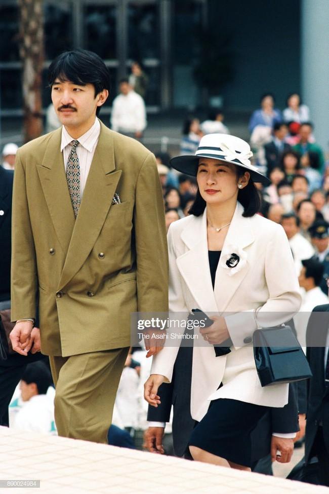 Thân vương Fumihito - vị Tân thái tử chuẩn mực và cuộc hôn nhân gây tranh cãi nhưng rốt cuộc lại hóa giải khủng hoảng người kế vị của Hoàng gia Nhật - Ảnh 8.