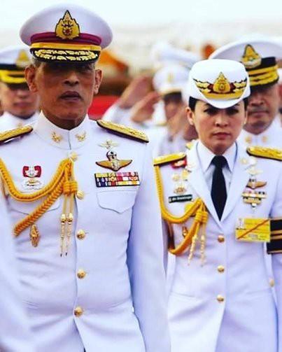 Ảnh: Vẻ đẹp của nữ tướng vừa được sắc phong làm Hoàng hậu Thái Lan - Ảnh 9.