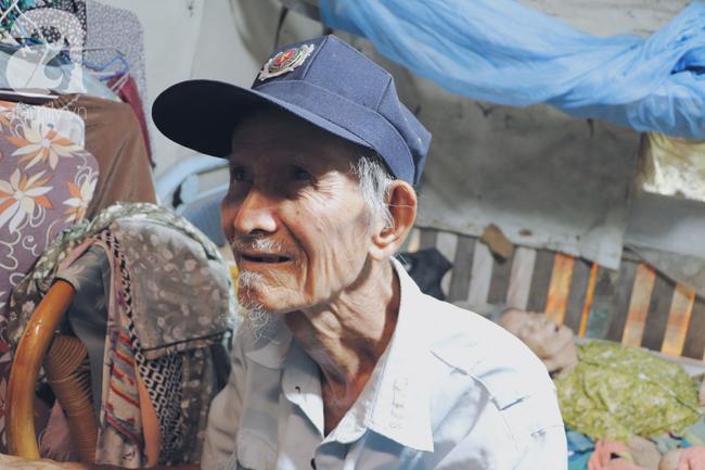 Chuyện tình sâu đậm của ông cụ 85 tuổi, hàng ngày đi lượm ve chai, bán vé dò nuôi vợ liệt giường - Ảnh 17.