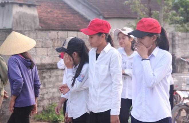 Vụ 5 em học sinh đuối nước khi cứu nhau: Làng quê nghèo phủ một màu khăn trắng - Ảnh 3.