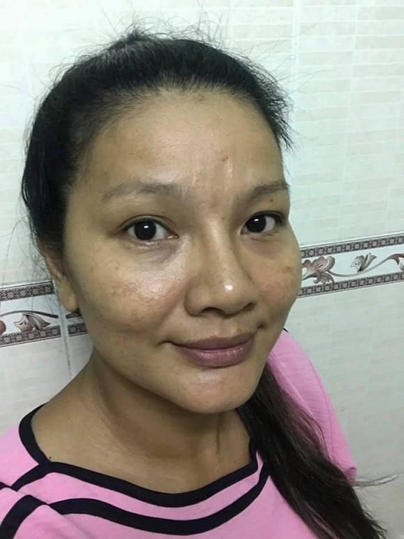Nữ hoàng cảnh nóng Kiều Trinh gây sốc với gương mặt xuống sắc thê thảm ở tuổi 43 - Ảnh 1.