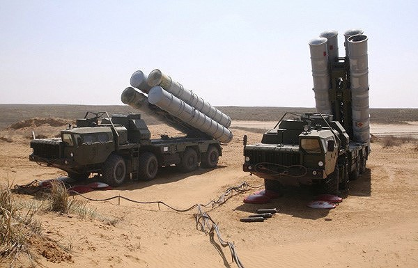 Thất vọng nặng nề với S-300PMU-2, Iran sẽ mua HQ-9 Trung Quốc thay thế? - Ảnh 4.