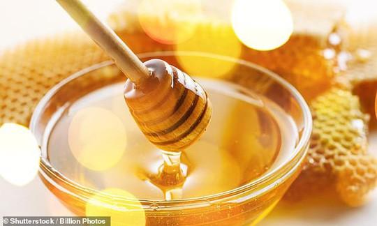Lầm tưởng tai hại về đường và mật ong - Ảnh 1.