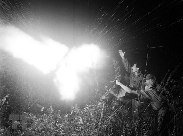 [Photo] Quân đội Việt Nam trong sự nghiệp giải phóng dân tộc - Ảnh 7.