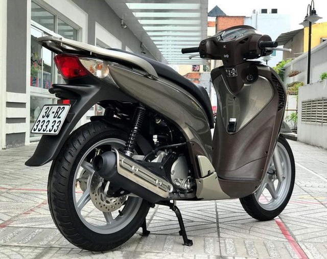 Dân chơi Sài Gòn hái ra tiền bằng nghề bán xe máy biển khủng hét giá ngang ô tô - Ảnh 8.