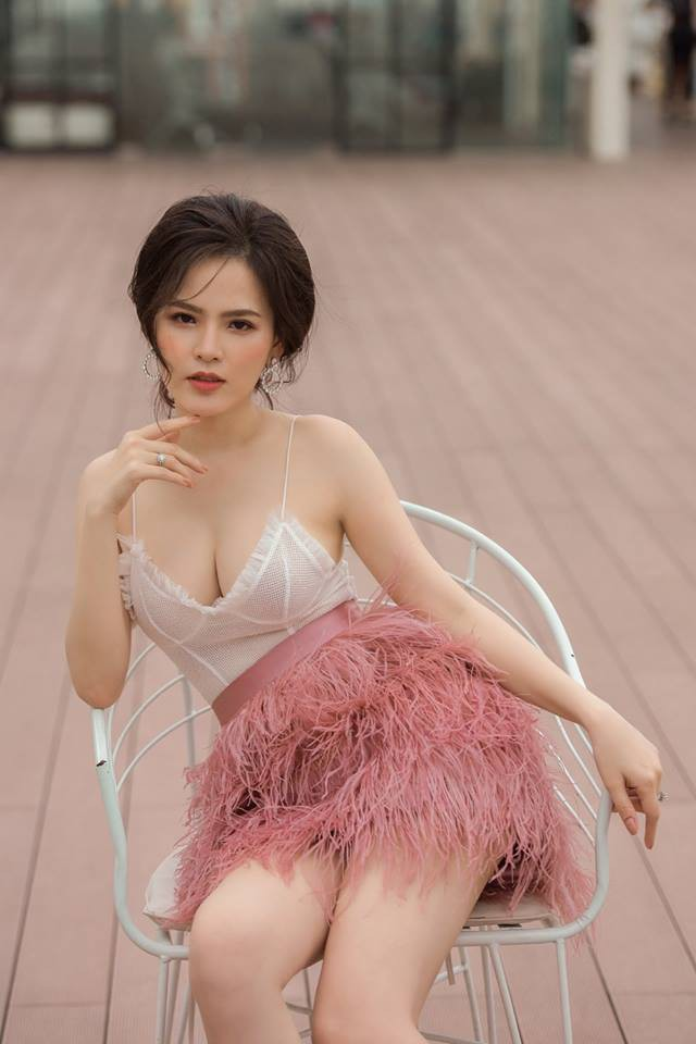 Hot girl mì gõ Phi Huyền Trang lên tiếng về vụ lộ clip nóng - Ảnh 1.