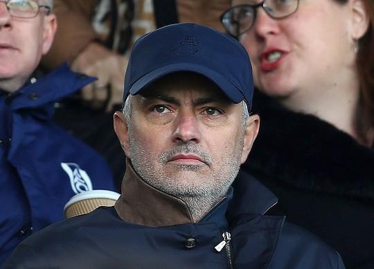 Mourinho sắp hết thất nghiệp, chuẩn bị dẫn dắt AS Roma  - Ảnh 1.