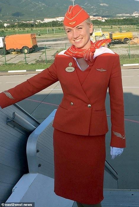 Máy bay Nga bốc cháy khiến 41 người thiệt mạng, một nữ tiếp viên được vinh danh anh hùng nhờ hành động xả thân cứu người đáng quý - Ảnh 3.