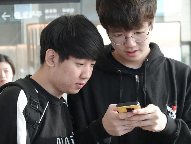 LMHT: Team SKT T1 đã tới sân bay, thẳng tiến Việt Nam khởi đầu hành trình chinh phục MSI 2019 - Ảnh 3.