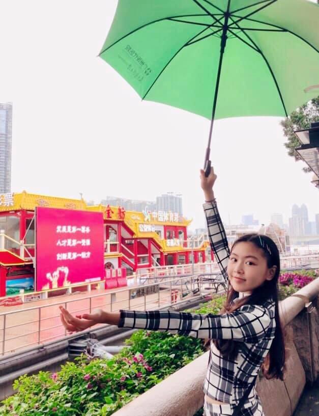 Bà xã Quyền Linh chia sẻ ảnh đi du lịch của gia đình, dân tình phát hiện ra tận 2 điều thú vị - Ảnh 7.