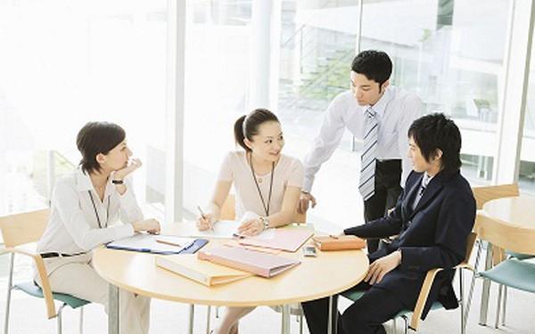 Để tránh bế tắc tại nơi làm việc, hãy ghi nhớ 12 quy tắc sống còn mà dân công sở nào cũng nên biết - Ảnh 1.