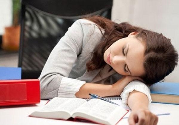 5 mối nguy hiểm sức khỏe khi ngủ trong tư thế này: Rất nhiều người sai mà không biết - Ảnh 3.