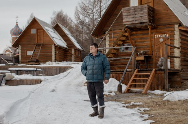 Dân Nga giận dữ khi du khách Trung Quốc quậy nát hồ Baikal - Ảnh 4.