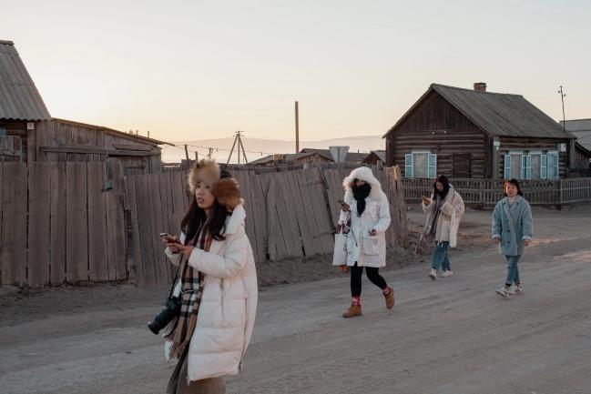 Dân Nga giận dữ khi du khách Trung Quốc quậy nát hồ Baikal - Ảnh 6.