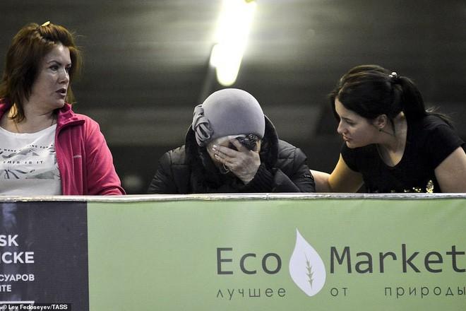 Hành khách bị chỉ trích nặng nề nhất trong thảm họa máy bay Nga vì chặn đường thoát hiểm - Ảnh 5.