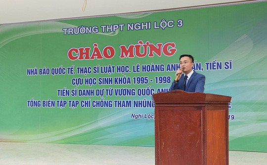 Nhà báo quốc tế Lê Hoàng Anh Tuấn giải thích về các danh xưng hoành tráng gây xôn xao - Ảnh 1.