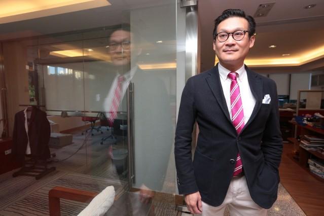 Cuộc sống sang chảnh của Á hậu Hong Kong chia tay tỷ phú 9000 tỷ, cặp kè đại gia giàu gấp ba - Ảnh 11.