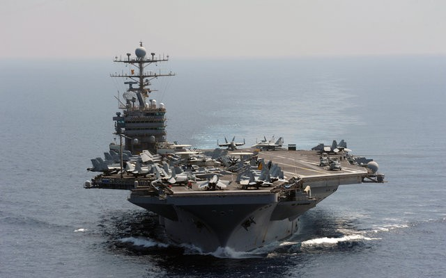 Nghìn tấn hỏa lực Mỹ bủa vây Iran: B-52, tàu sân bay thẳng tiến - Chiến tranh cận kề? - Ảnh 1.